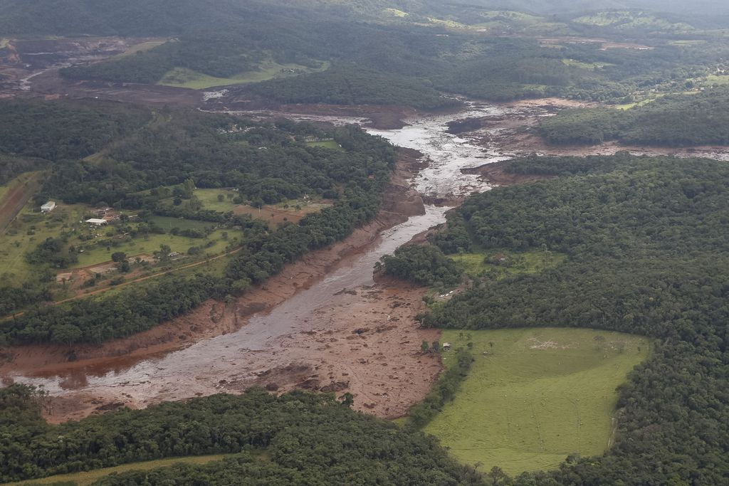 Rompimento de barragem da Vale em Brumadinho (MG) já matou 60 pessoas