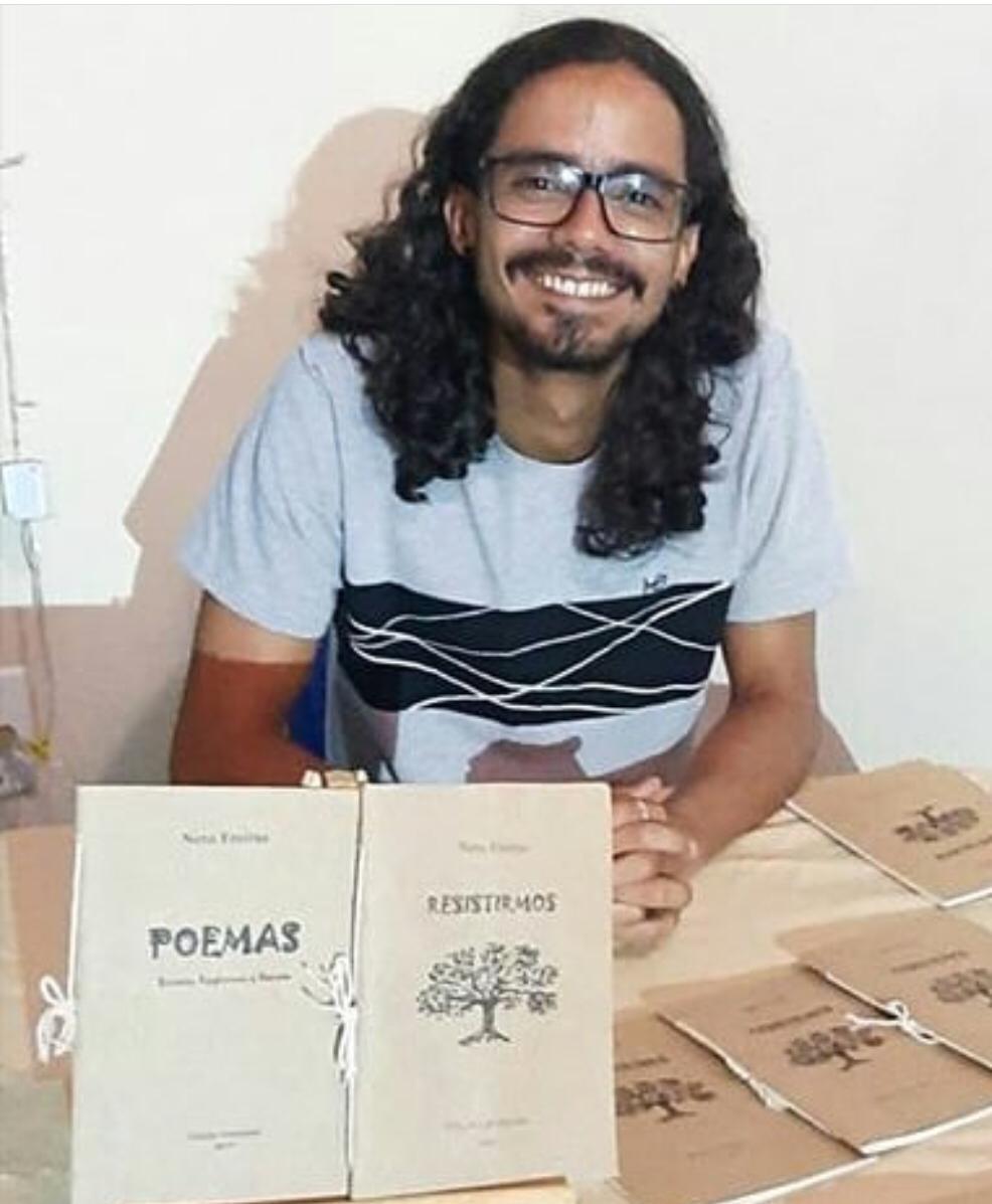Sarau SESDUF-RR 30 anos. Poetas e seus poemas: Neto Freitas.