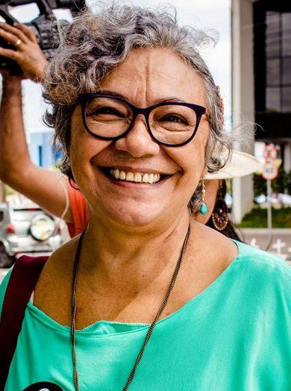 Sarau SESDUF-RR 30 anos. Leituras Poéticas: Ana Lúcia de Sousa.